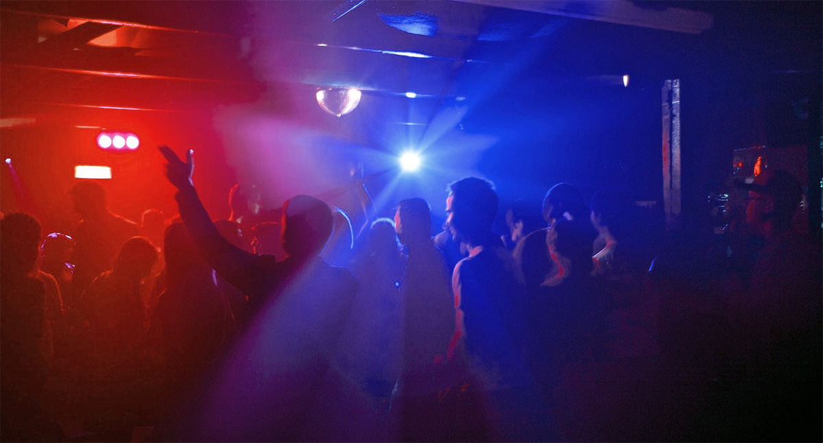 party_dancing