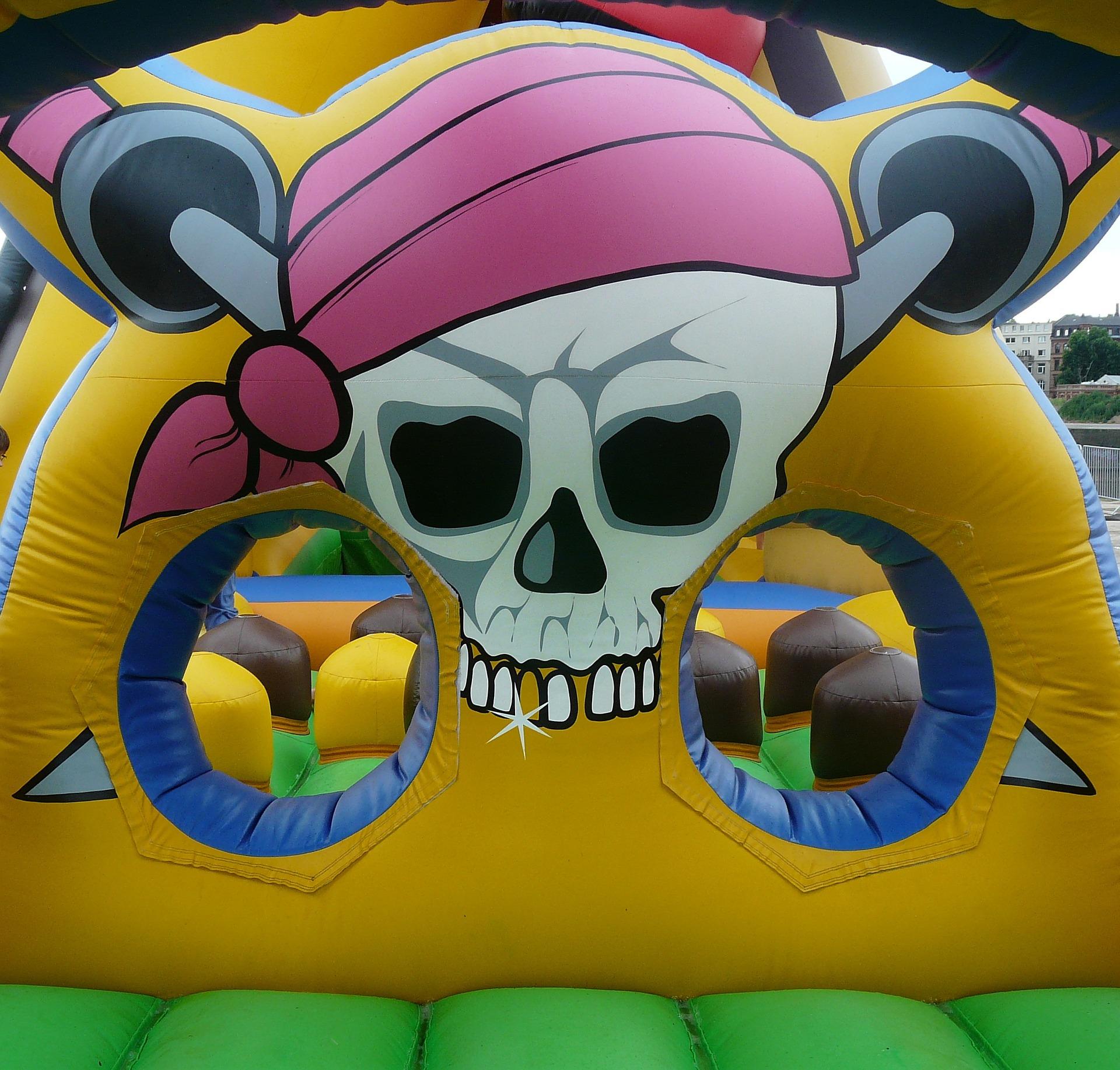 bouncy-castle-442909_1920